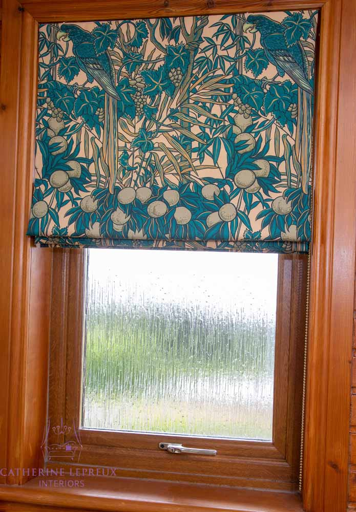Roman blind with perfectly framed pattern